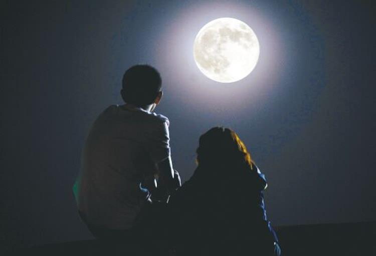 """明天又有所谓 """"70年不遇,本世纪最大的超级月亮"""""""
